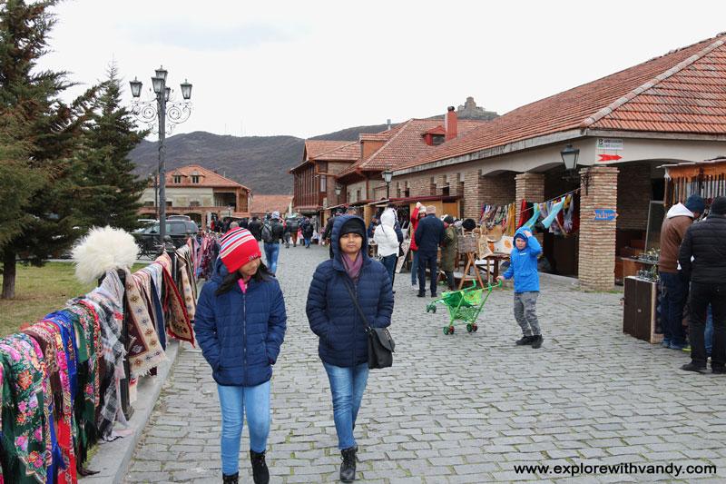 alley to Svetitskhoveli church