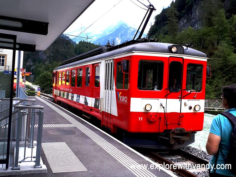MIB train between Meiringen and Aareschlucht West/East