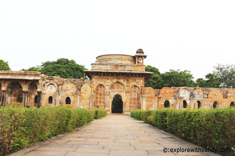 Jami Masjid entrance