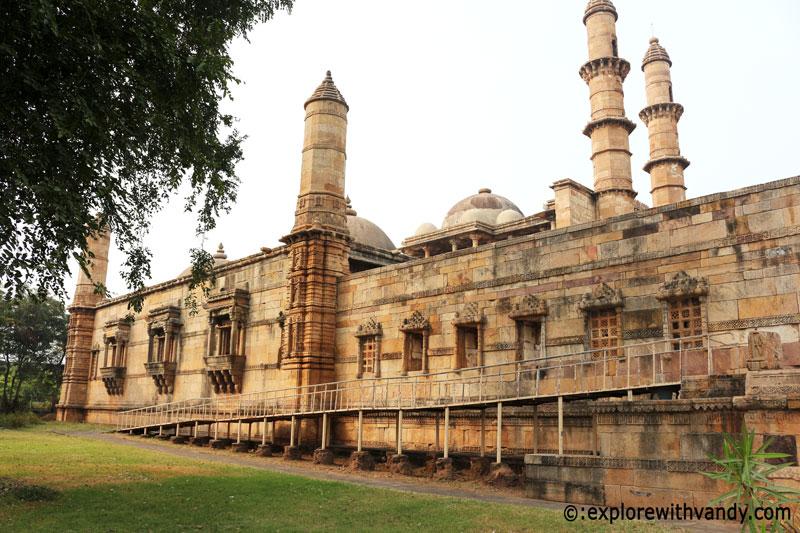 Jami Masjid side view