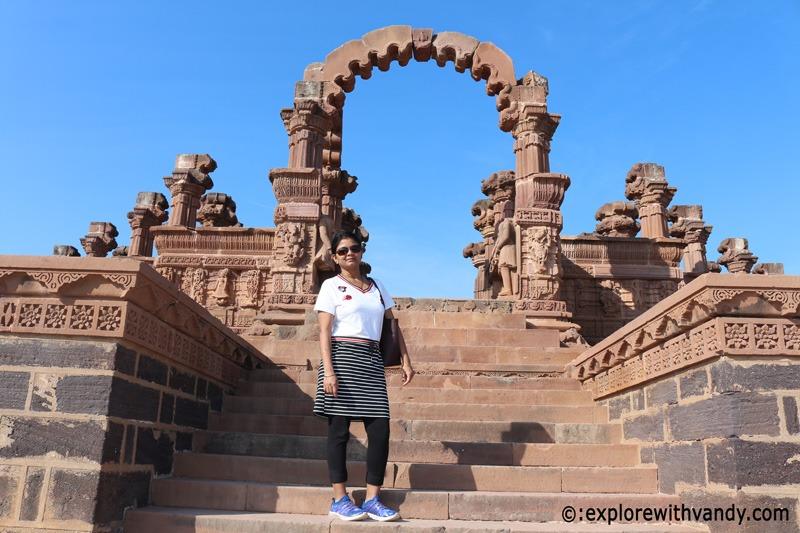 Entrance of Rao Lakhpatji Chhatri