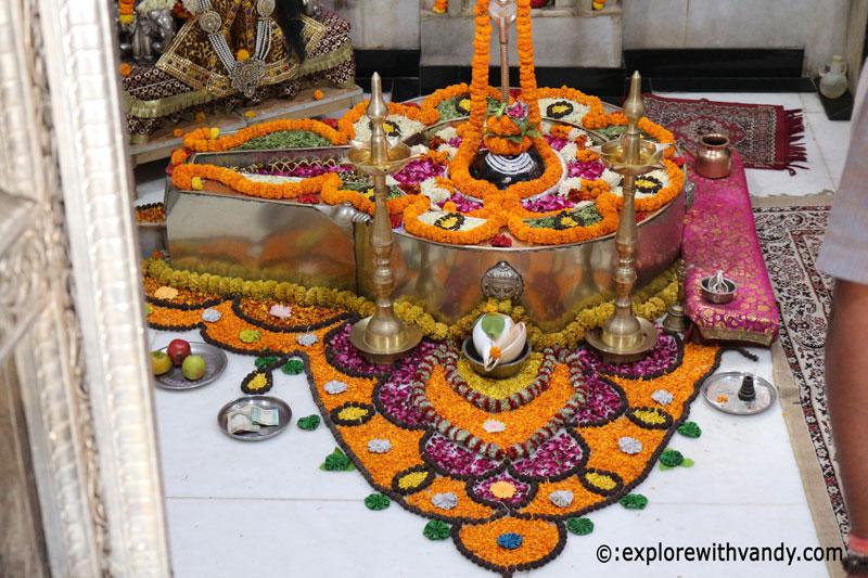 Koteshwar Mahadev Shivlinga