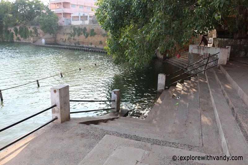Narayan Sarovar Ghat